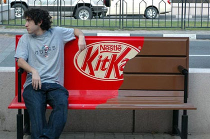marcocreativo guerrilla - kitkat